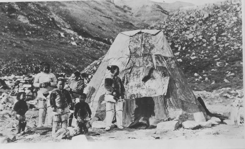 u003cpu003eu003cbu003eIn-you-ghi-tou0027s Family by Their & Greenland Summer