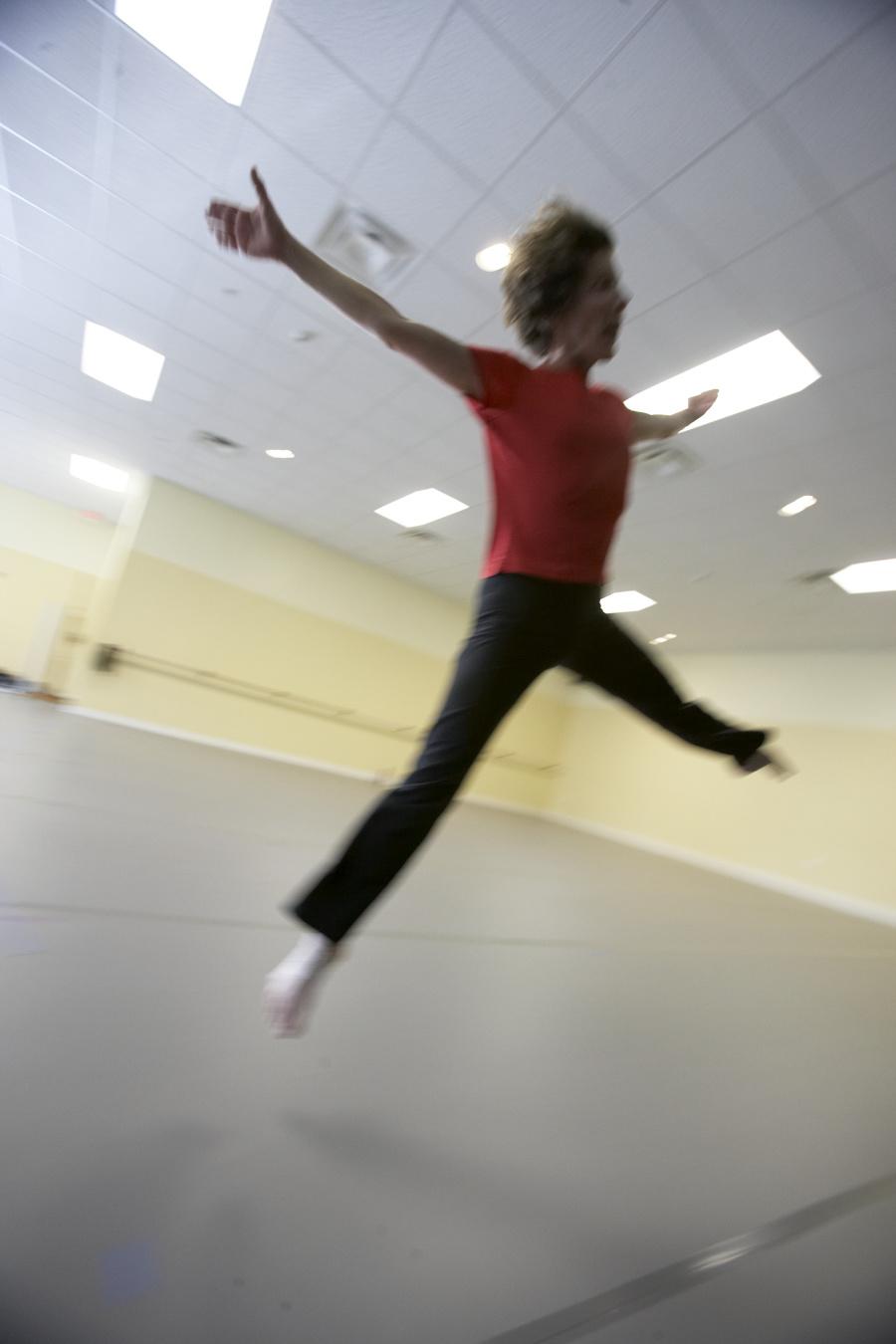 Gwyneth Jones midjump