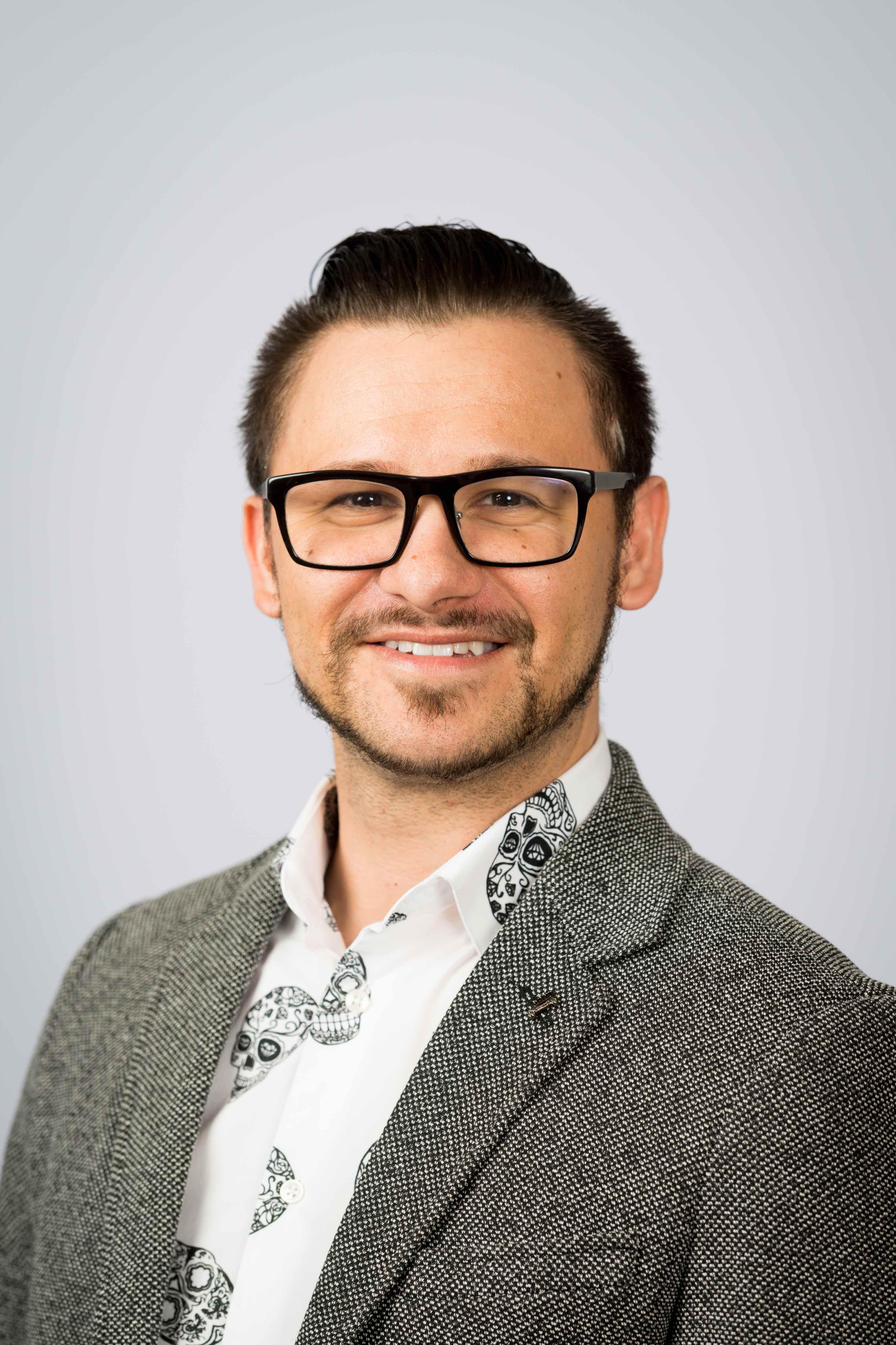 Kris Klein Hernandez