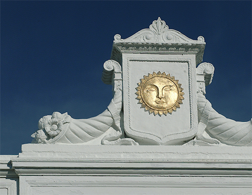 Sun detail on a Bowdoin building