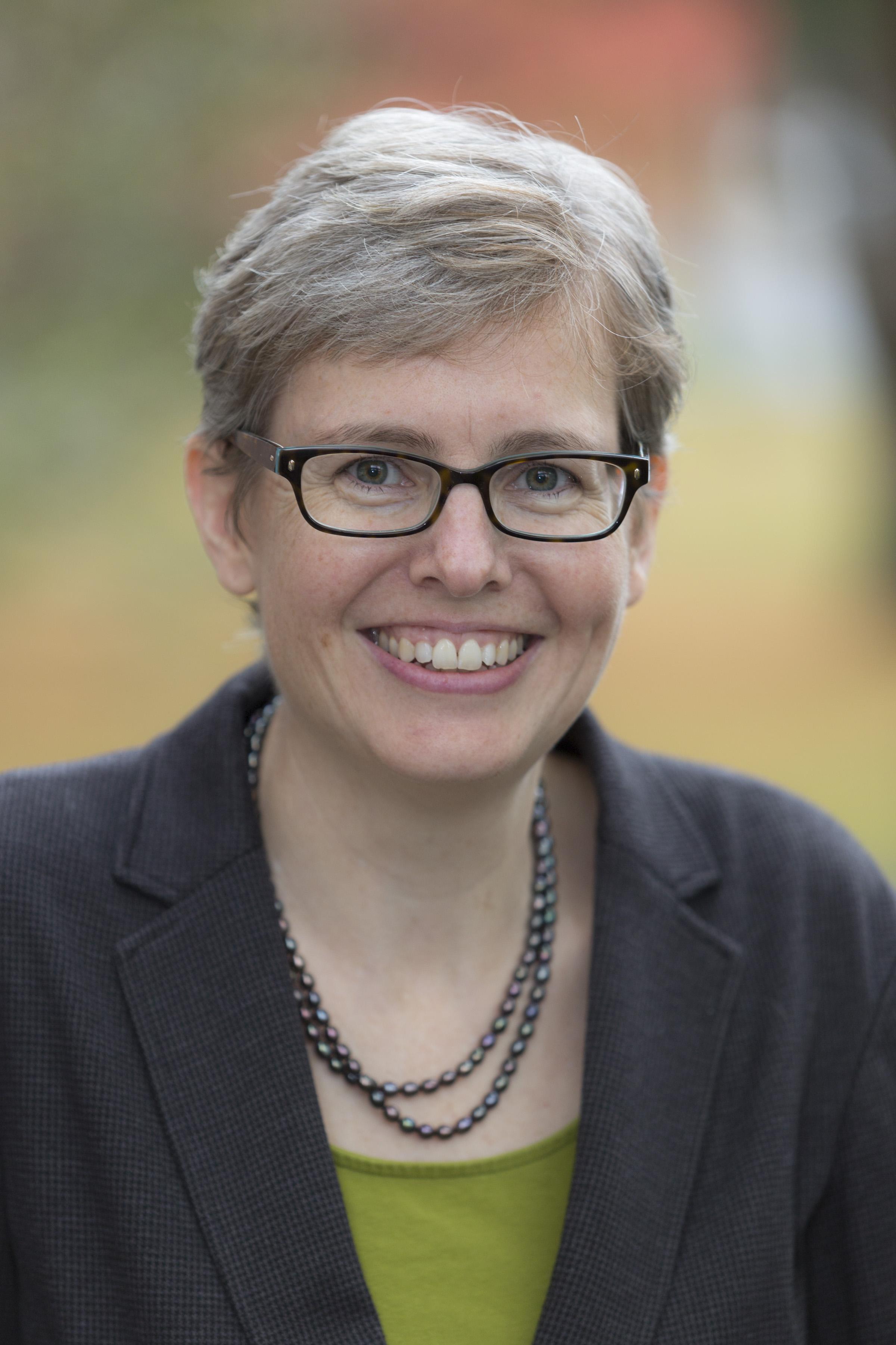 Kristi Olson headshot